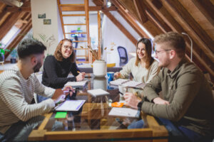 Starts Team Arbeiten mit Freunden